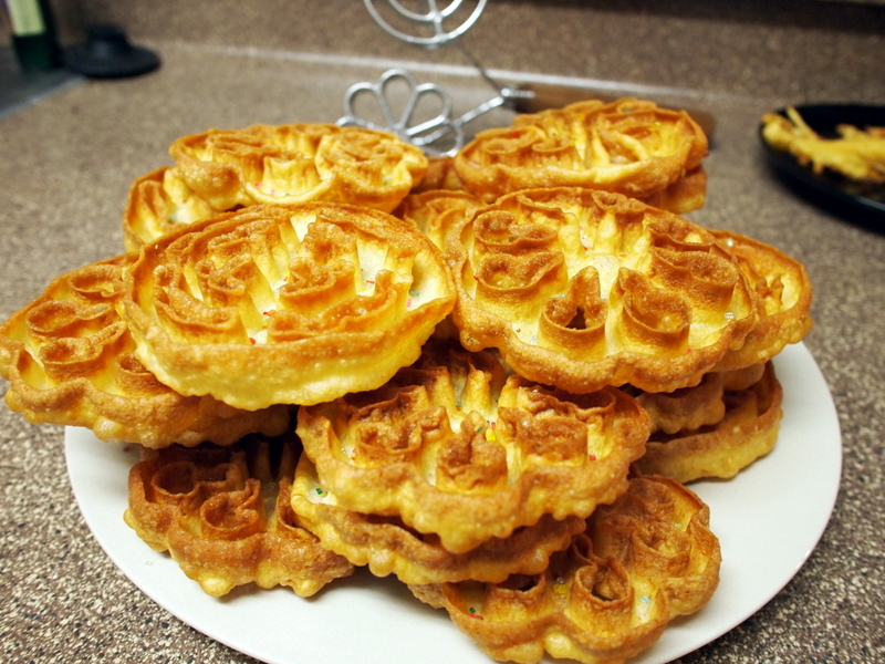 Norwegian Rosettes - Just like I remember them!